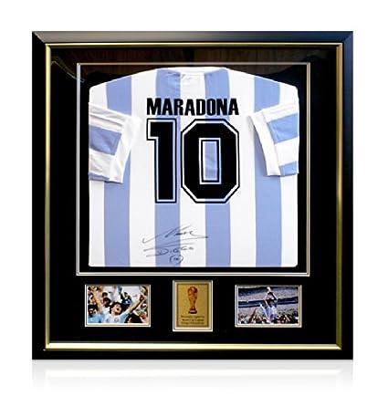 Camiseta de manga corta con marco Diego Maradona firmada por ...