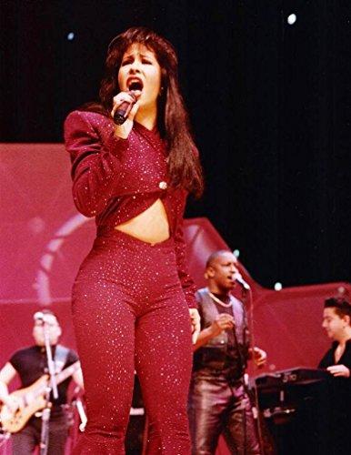 30 Selena Quintanilla-P?rez Poster Print