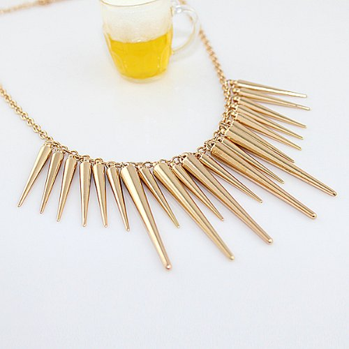 Fashion Style Alloy Spike Collar Necklace (gold) ()