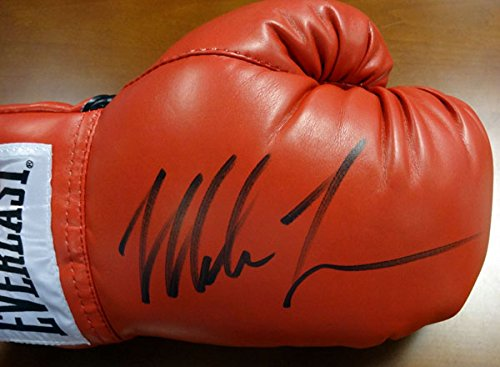 Rh Stock (Mike Tyson Autographed Red Everlast Boxing Glove RH PSA/DNA Stock #86893)