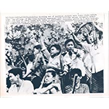 1964 Photo Vietnam War Buddhist Rioters Club Attacking Officer Xay Dung Catholic