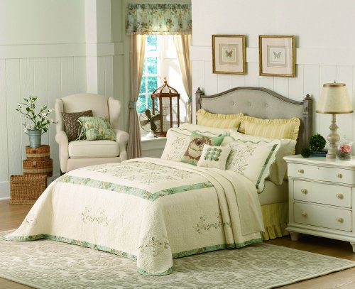 (Mary Janes Farm Vintage Treasure King Quilted Bedspread)