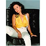Charmed 8x10 Photo Shannen Doherty/Prue Halliwell Sprawled on Black Chair Wearing Yellow Top and White Pants kn