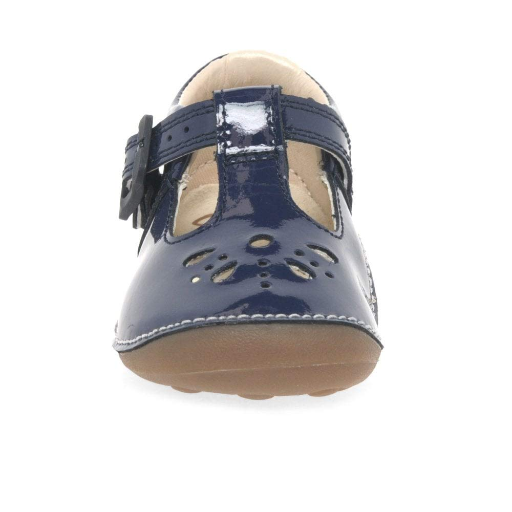 b13a61c26ab0fd Clarks Girls  Little Weave Closed Toe Sandals