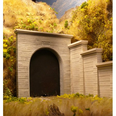 Chooch Enterprises HO Scale Single Concrete Tunnel Portal