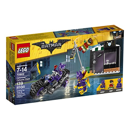 LEGO Batman Movie Catwoman Catcycle Chase -