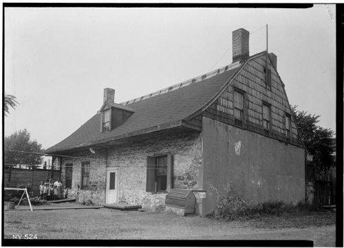 Photo: Van Anda House,1416 Flushing Avenue,Ridgewood,Queens County,NY - Center Shopping Flushing