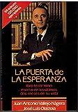 img - for La puerta de la esperanza (Spanish Edition) book / textbook / text book