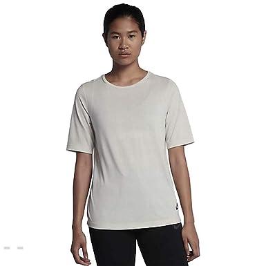 Nike Women s Essentials Tee-Shirt Light Bone 829749-072 at Amazon ... 30c1265ef