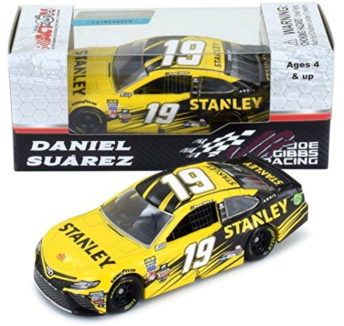 Lionel Racing Daniel Suarez 2017 Stanley NASCAR Diecast 1:64 Scale ()