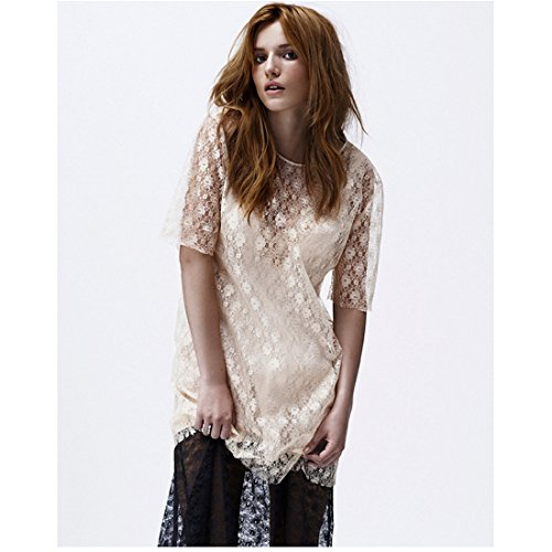 (Bella Thorne 8 inch x 10 inch PHOTOGRAPH Shake It Up! The DUFF Blended Pulling Dress Up White Background)