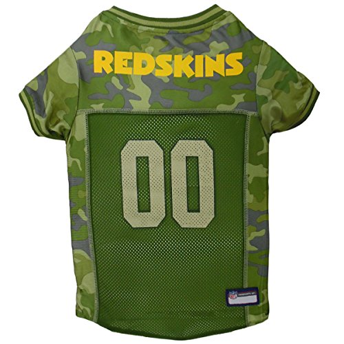 NFL Washington Redskins Camouflage Dog Jersey, Small. - CAMO PET Jersey Available in 5 Sizes & 32 NFL Teams. Hunting Dog Shirt]()