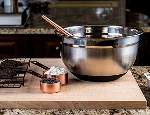 Top Rated Bellemain Stainless Steel Non-Slip Mixing Bowls with Lids, 4 Piece Set Includes 1 Qt, 1.5 Qt, 3 Qt. & 5 Qt.