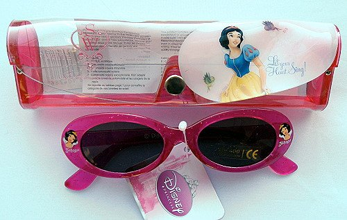 0a25a72c0536c Disney Princess Snow White Sunglasses  Amazon.co.uk  Clothing