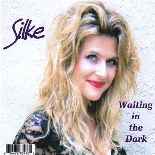Waiting in the Dark by Silke (2008-08-12)