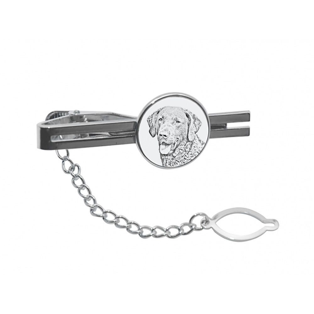 tie pin Clip with an Image of a Dog Elegant and Casual Style Chesapeake Bay Retriever