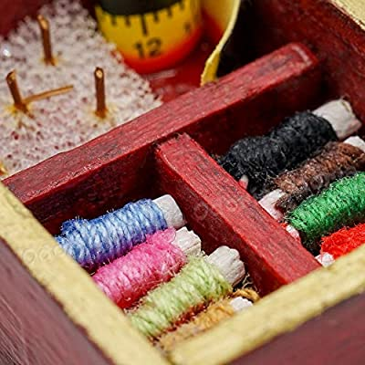 Odoria 1:12 Miniature Vintage Sewing Box with Lid WineRed Dollhouse Decoration Accessories: Toys & Games