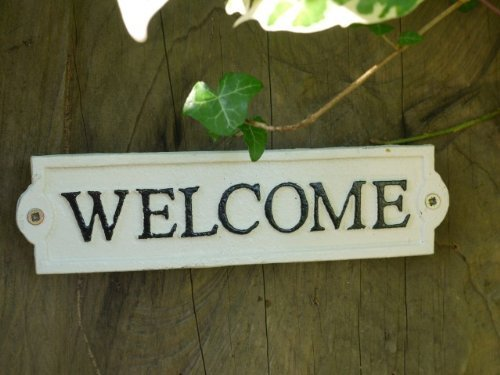 Brown & Ginger Hand Painted Cast Iron Welcome Sign - 22cm x 6cm (Cream/Black)
