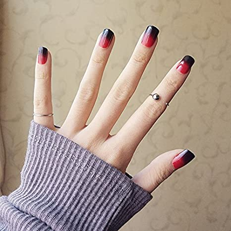 YUNAI 24PCS falso clavo negro brillante y rojo pre-diseño falso uñas de tamaño corto uñas lisas: Amazon.es: Belleza