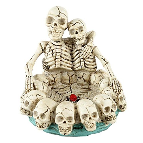 BERTERI Skull Shaped Resin Ashtray Unique Home Ornament Halloween Props Skull Resin Crafts Cigarette Holder Halloween Decorative Supplies ()