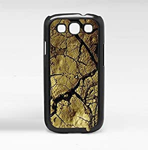 Cracked Surface Fun Nature Hard Snap on Phone Case (Galaxy s3 III)