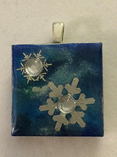 GORGEOUS WINTER INSPIRED SNOWFLAKE PENDANT ALCOHOL INK AND EMBOSSED SNOWFLAKES WITH A TOUCH OF GLITZ FREE SHIPPING