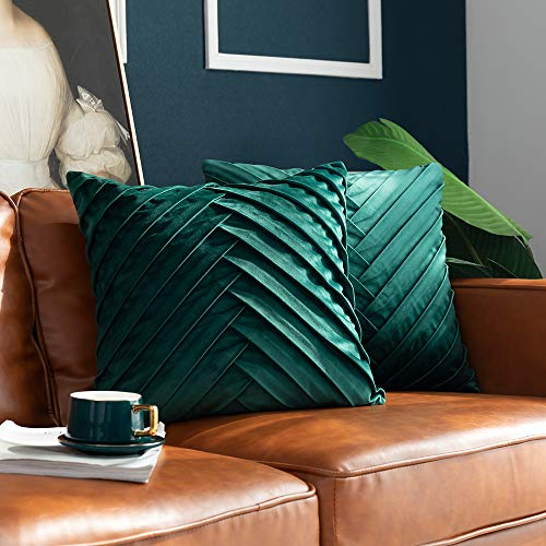 Green Velvet Cushion Set - 8