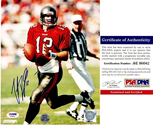(Trent Dilfer Signed - Autographed Tampa Bay Buccaneers Bucs 8x10 inch Photo - PSA/DNA Certificate of Authenticity (COA))