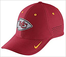 4f095afcd77 Nike True Vapor NFL Chiefs Adjustable Hat One Size  Amazon.co.uk  Books