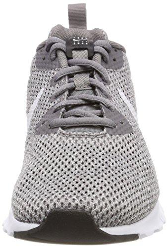 Nike Air Max Motion LW Se, Scarpe da Ginnastica Basse Uomo Grigio (Gunsmoke/Vast Grey-b 009)