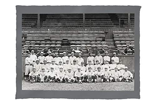 (NY Yankees Team, Babe Ruth in Center, Baseball Photo 5532 (60x80 Poly Fleece Thick Plush)