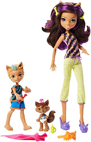 Monster High Monster Family Clawdeen Wolf, Baker Wolf, Weredith Wolf Dolls, 3 Pack