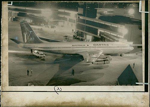 Vintage photo of Qantas.