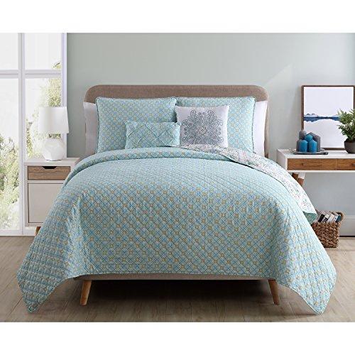 Friends Quilt Set (VCNY Home Windsor Polyester 5 Piece Quilt Set, SUPER SOFT Quilt Set, Wrinkle Resistant, Hypoallergenic Bed Set, King, Aqua.)