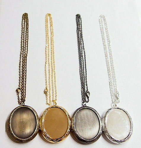 4 Colors of Victorian Style Etched Deco Lockets Pendants with Chains