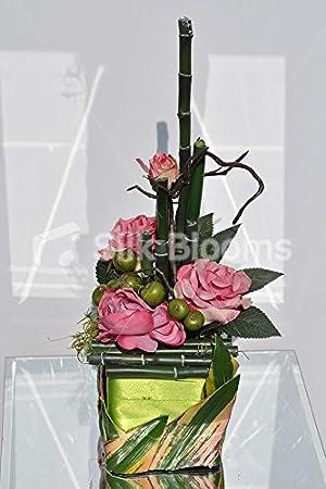 Bonitas rosas w/verde Mini manzanas, bambú cubo florero de ...