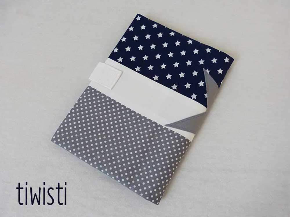 Prot/ège carnet de sant/é bleu marine blanc et gris avec pr/énom de lenfant /étoile