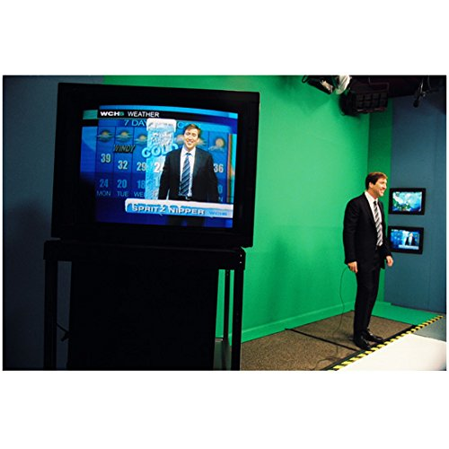 the-weather-man-2005-8-inch-x-10-inch-photograph-nicholas-cage-standing-in-front-of-green-screen-kn