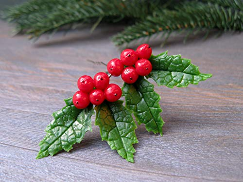 Christmas hair accessories Cute Holiday gift idea for girlfriend daughter Winter wedding hair pin Bridal hairpiece Red green Holly berry Ilex leaves tree Handmade New year woodland nature hair clip