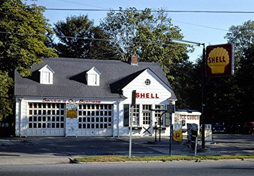 - Roadside America Photo Collection | 1976 Robert Damiecki Shell Station, Bridgehampton, New York | Photographer: John Margolies | Historic Photographic Print 12in x 08in