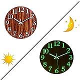 Yamix reloj de pared nocturno, 12 pulgadas, luz nocturna, reloj de pared silencioso sin tictac, reloj de pared decorativo para oficina, cocina, sala de estar, números y manecillas de función luminosa, números 3D, madera oscura(Dark Wood Grain)