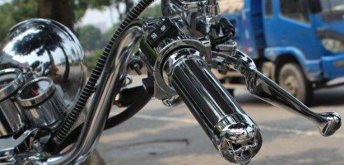 THG 2x Motorrad Custom Chrome Billet Aluminium Sch?del Handgriffe Universal Fit Motorrad 1 Lenker