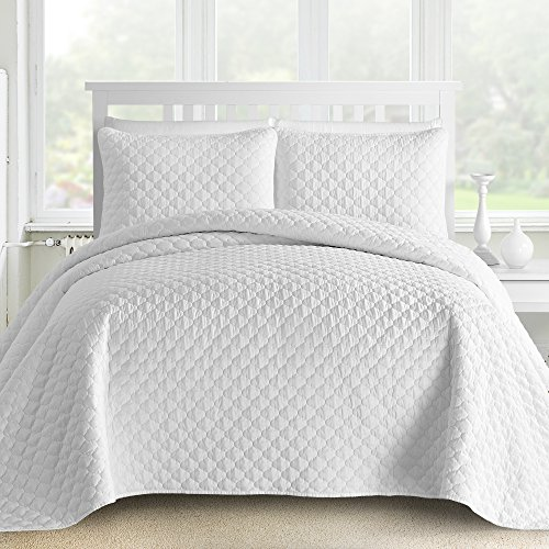 - Comfy Bedding 3-Piece Bedspread Coverlet Set Oversized and Prewashed Lantern Ogee Quilted, Full/Queen, White
