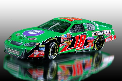 bobby-labonte-18-interstate-batteries-advair-2003-monte-carlo-124-scale