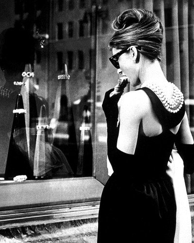 Audrey Hepburn 16x20 Poster as Holly Golightly in Breakfast at Tiffany's looking into window eating - Home Golightly Holly At