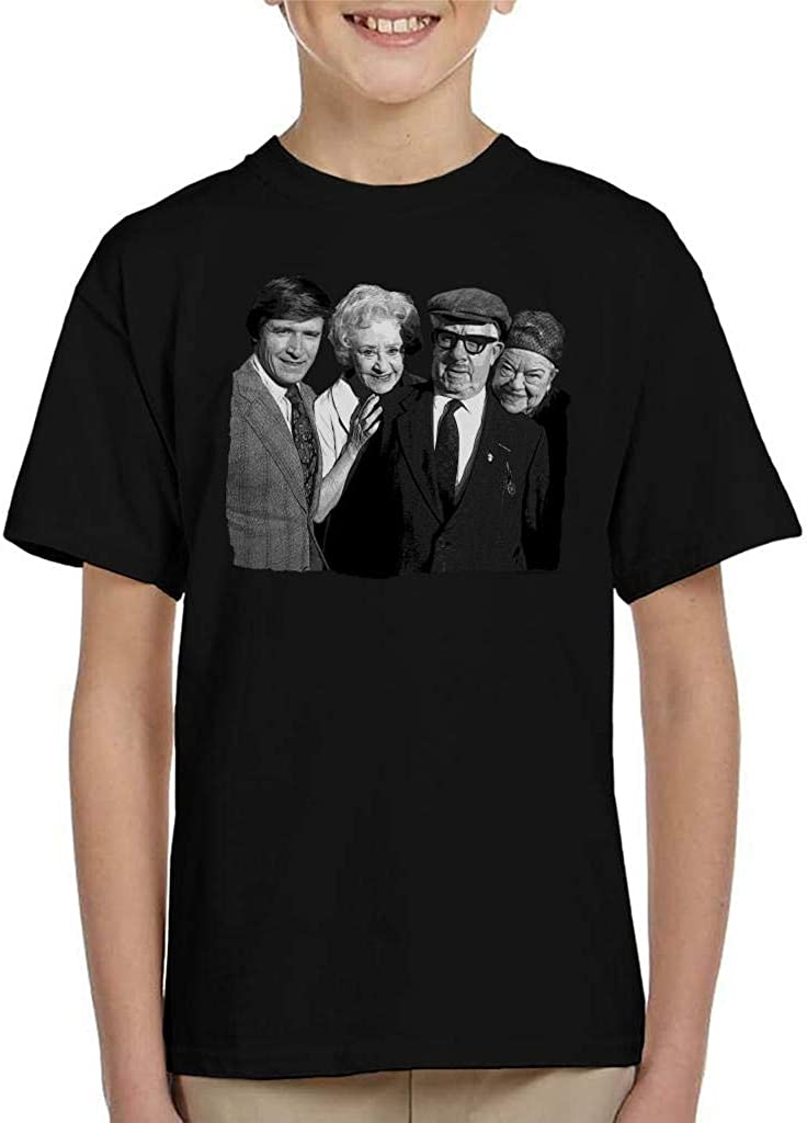 TV Times Select Cast of Coronation Street 1975 Kids T-Shirt