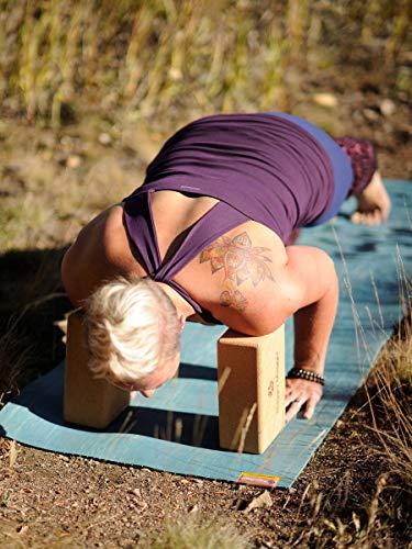 Amazon.com: Hugger Mugger - Bloque de corcho para yoga ...