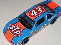 RICHARD PETTY AUTOGRAPHED 1/18 DIE CAST METAL CAR (THE KING) - STP Grand Prix! - Autographed Diecast Cars by Sports Memorabilia
