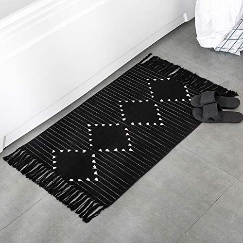 Boho Bathroom Rug Black Small Fringe Rug for Kitchen Bedroom, Cotton Woven Tassel Throw Rug 2 X3 Moroccan Bath Mat Washable for Laundry Room Doorway Entryway, Exquisite Geometric Minimalist Style