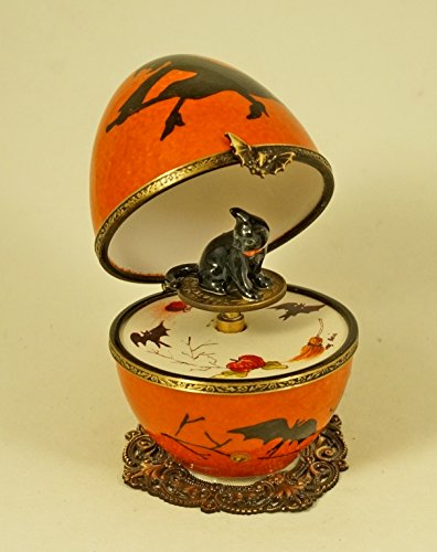 Authentic French Porcelain Hand Painted Limoges box Halloween Musical ()